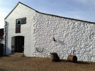 Grimblethorpe Hall The Barn; Stylishly converted 16th Century Barn  sleeps 4, Louth