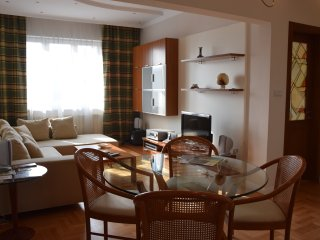 Patriarh Evtimii 2 Bedroom Apartment