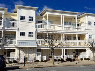 Fantastic Location!!!  Close To Beach, Boardwalk and Convention Center