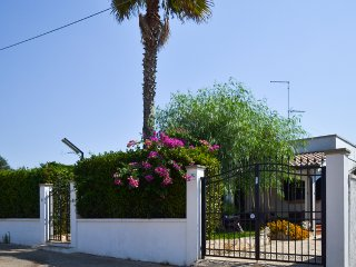 "Villa with 3 bedrooms near the beach ""Grande Bacino"" in Torre Lapillo"