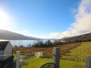 Beautiful mews house on Loch Tay with stunning views, Fearnan