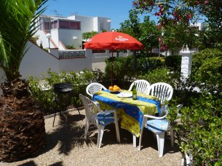 Les Marines Beach Apartment with WiFi and Satellite UK TV