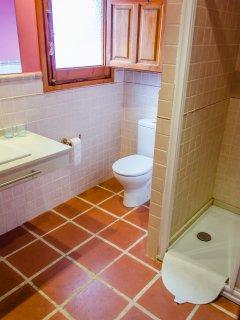 Baño completo de la planta 3 para las habitaciones 4 y 5