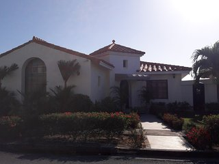Beautiful fully equipped beachfront house in Vista Mar Golf and Beach Resort, San Carlos