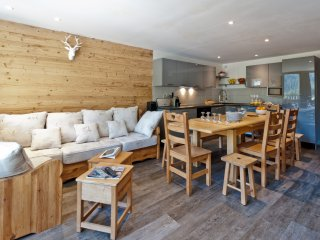 Courchevel 1650 Luxury Apartment for 13 Persons Full SKI IN/OUT