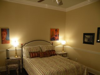 Deluxe Bedroom in the Lower Garden District, Nueva Orleans