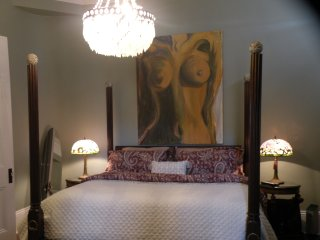 Luxurious bedroom getaway, Nueva Orleans