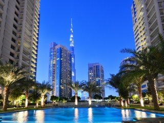 Dubai Fountain View And Luxury Living