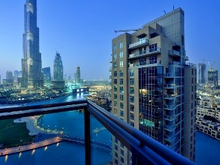 Watch Dubai Fountain and Burj Khalifa From Your Balcony