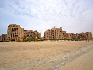 Beach Access and Luxury Living On The Palm Jumeirah