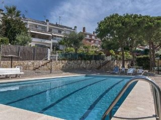 House - 1 km from the beach, Alella