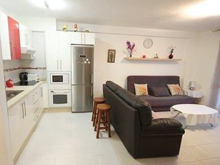 2-bed apartment on the 1st beachline of Las Vistas