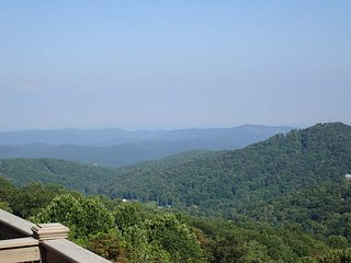 Mountain Hideout (BRV 27), Blowing Rock