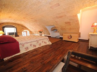 Romantic Loft In Hisotrical Center