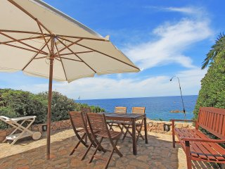 House Granito with a wonderfull sea view and 150 mt. far from the sea