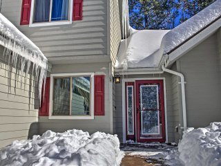 NEW! Chic 4BR Flagstaff Home in Ideal Location