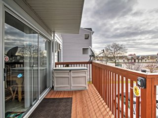 NEW! 2BR Ocean City Condo w/ Pool Access