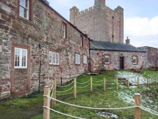 COLERIDGE, open plan living, spiral stairs, woodburning stove, Appleby-in-Westmorland, Ref 942346