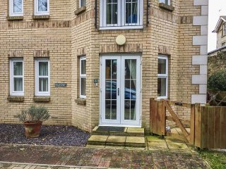 3 GROSVENOR COURT, all ground floor apartment, en-suite, off road parking