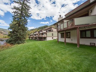 3-Bed 2-Bath town home on FREE Town of Vail Bus Route