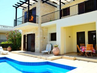 Stunning villa with private pool,sea & mountain view,3bedrooms,BBQ,wifi, Tavronitis