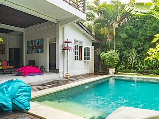 Nice and quiet 3 bedroom Villa downtown Seminyak