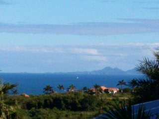 The View 1 - Ideal for Couples and Families, Beautiful Pool and Beach, Orient Bay