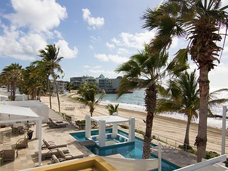 Coral Beach Club - Sea Fan - Ideal for Couples and Families, Beautiful Pool and Beach, Philipsburg