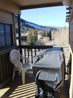 Private deck with BBQ - Private deck with BBQ and stunning views.