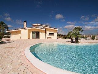 4 bedroom Villa in Melissano, Apulia, Italy : ref 5229431