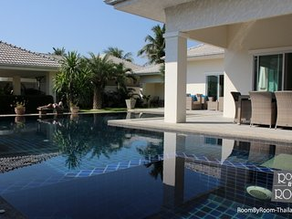 Villas for rent in Hua Hin: V6324