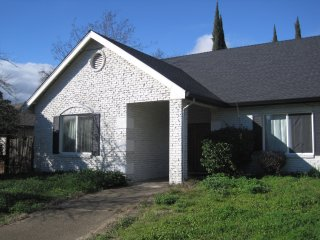 Beautiful 2 Bedroom Suite with Private Entrance A, Citrus Heights