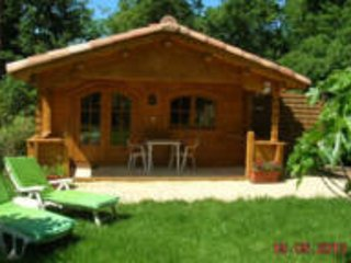 Gîte for 2, airco, heated pool and jacousi near Aix-en-provence South France, holiday rental in Mimet