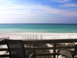 Beachfront townhomewith amazing gulf views & PRIVATE beach access!!
