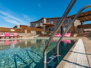 Lindos Seastone Villa B, Pefkos