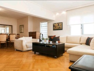 Elegant Apartment, Piraeus