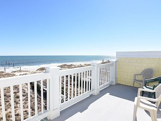 Livy It Up - 4 Bedroom Oceanfront Duplex Sleeps 11, Kure Beach