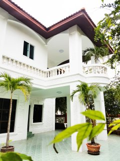 YAI LAND - The Tropical Villa - POOL - GREAT LOCATION PATTAYA - 4 BEDS