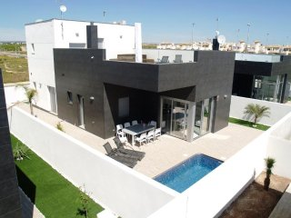 4 bedroom villa in Pilar de la Horadada with private pool