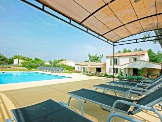 Family-Friendly Villa with Pool and Walking Distance to Village - Mas Celine