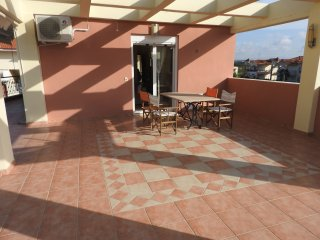 R45  Amazing apartment in wonderful complex.