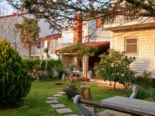 Holiday Apartment 2+2, 800m from the beach