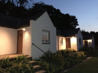 Deveron Cottage. Fully refurbished luxury 2 bedroomed cottage, Huntly