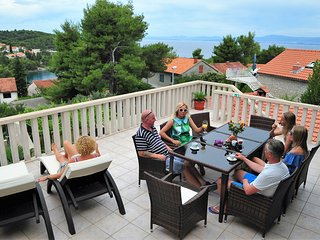 Villa Beau Rivage 3 bedroom apartment with huge terace and amazing views