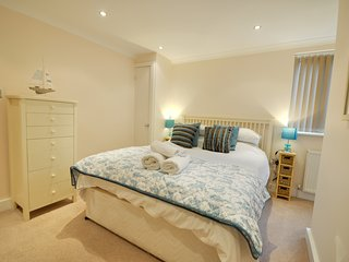 A choice of six, two bedroom apartments with balconies & gardens in Sandbanks, Bournemouth