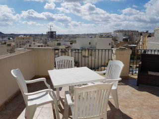 2 Bedroom Duplex Penthouse, Gzira