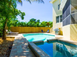 Siesta Dream House- 4 BR, 3.5 BA Villa W/ Heated Pool, Spa On Siesta Key