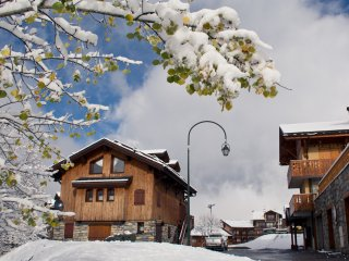 Chalet Saint Peres, Ski-In Ski-Out luxury chalet in St Martin de Belleville