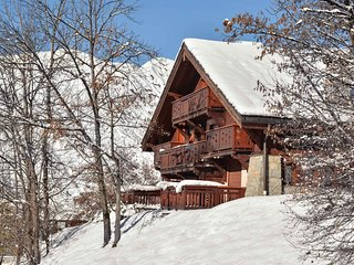 Chalet Bernardie - Ski-In Ski-Out apartment in St Martin de Belleville