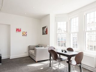 Trendy Central London Apartment (WRA)
